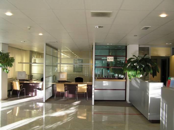 Подвесной потолок в офисе — фото 8