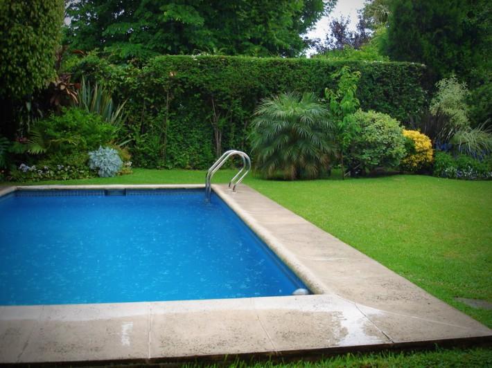Дизайн бассейна на даче