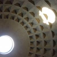 Кирпично-бетонная ротонда Пантеона перекрытая полусферическим кессонированным куполом (фото 3)
