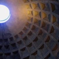 Кирпично-бетонная ротонда Пантеона перекрытая полусферическим кессонированным куполом