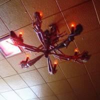 Потолок из декоративных панелей — фото 28