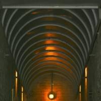 Анфилада из железных балок на потолке