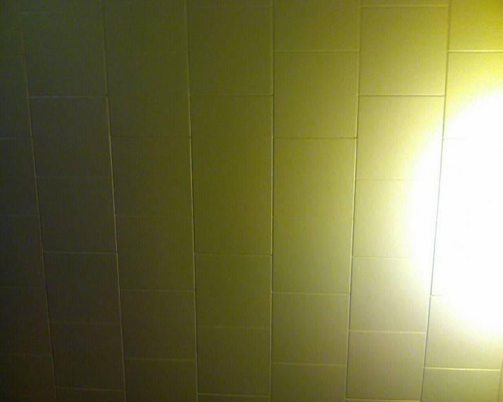Потолок из декоративных панелей — фото 8