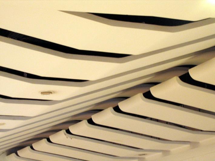 Металлический потолок — фото 48