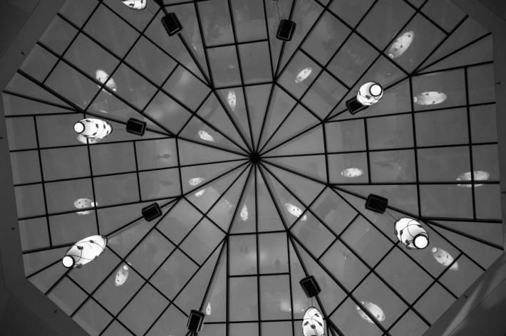 Стеклянная крыша — фото 45