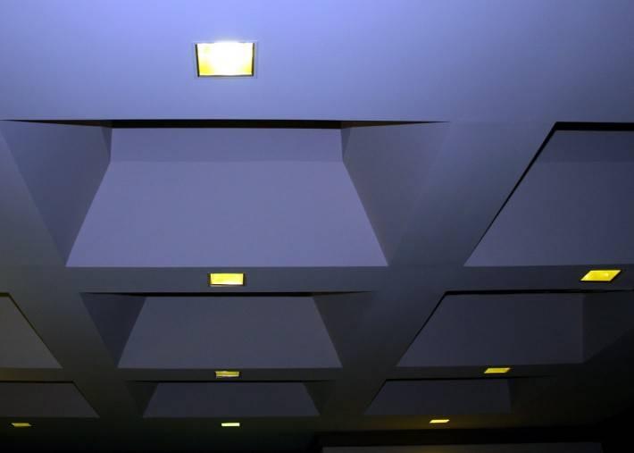 Потолок из гипсокартона — фото 56