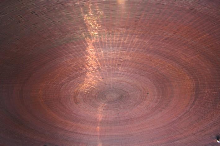 Потолок из кирпичей уложенных по конический окружности
