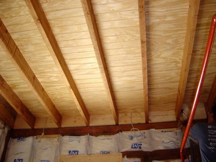 Деревянный потолок — фото 3