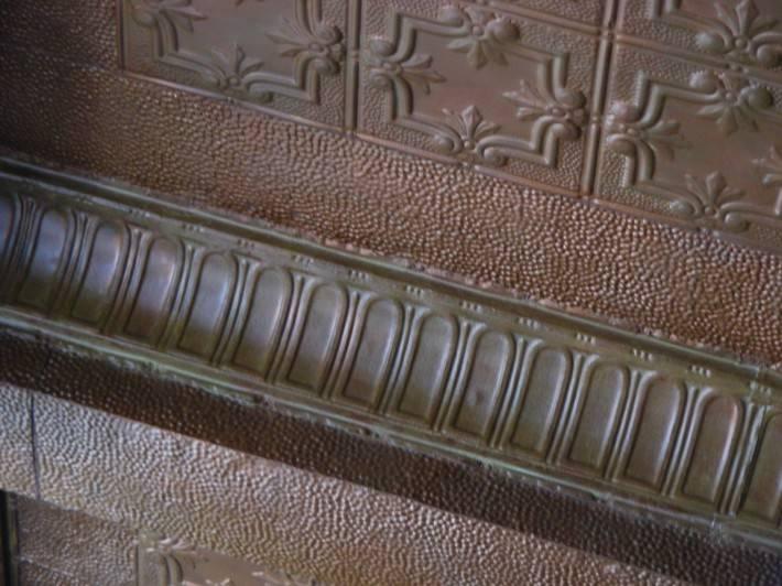 Потолок из декоративных панелей — фото 4