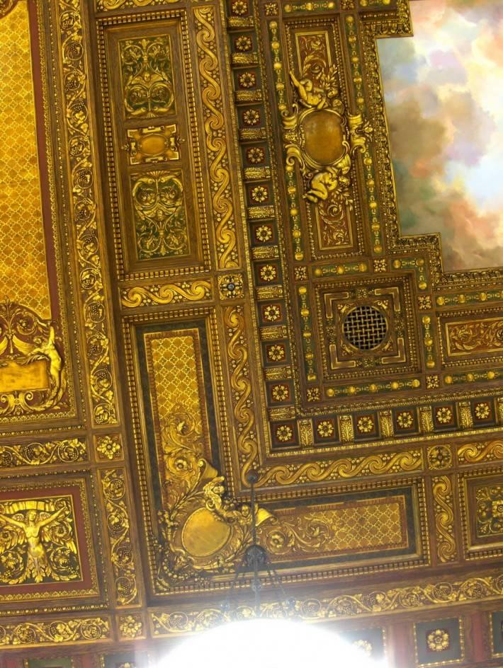 Инкрустированный потолок Публичной библиотеки Нью-Йорка
