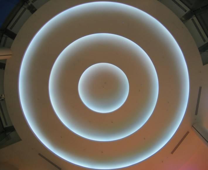 Потолок из гипсокартона — фото 38
