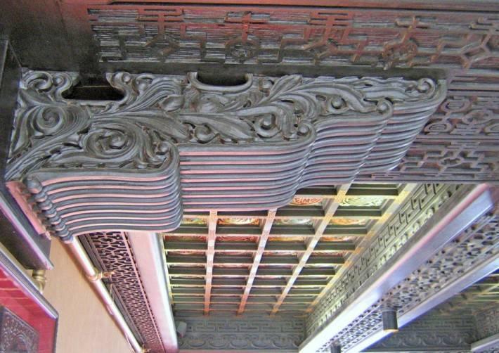 Декор из металла под лепнину. Меандры.