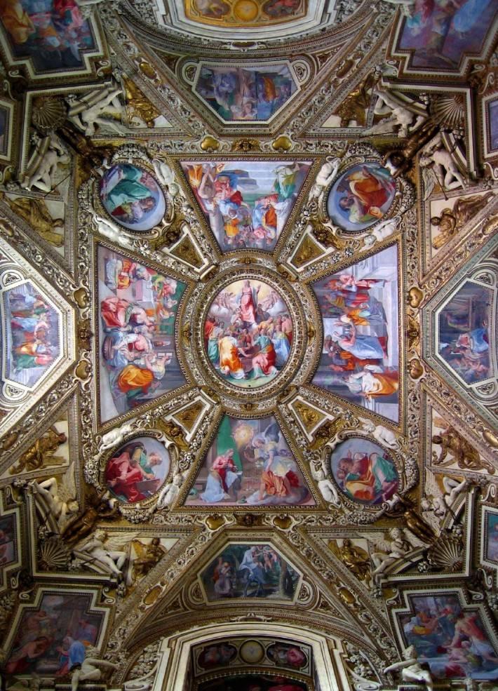 Роспись потолка в титулярной базилике Санта-Мария-ин-Трастевере (фото 2)