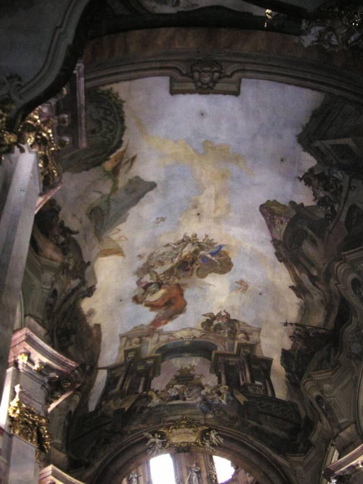 Фреска на потолке времен эпохи возрождения