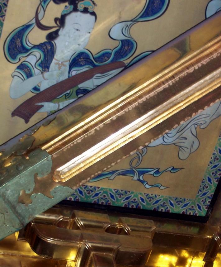 Фрагмент росписи по ткани в японском стиле