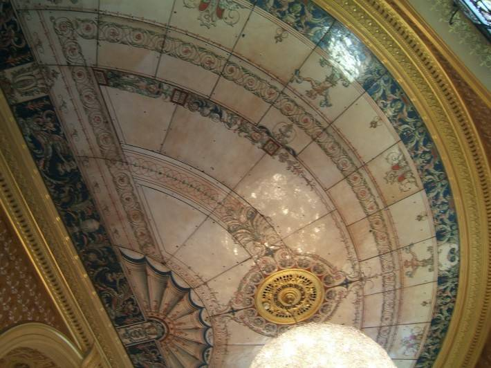Потолок из декоративных панелей — фото 2