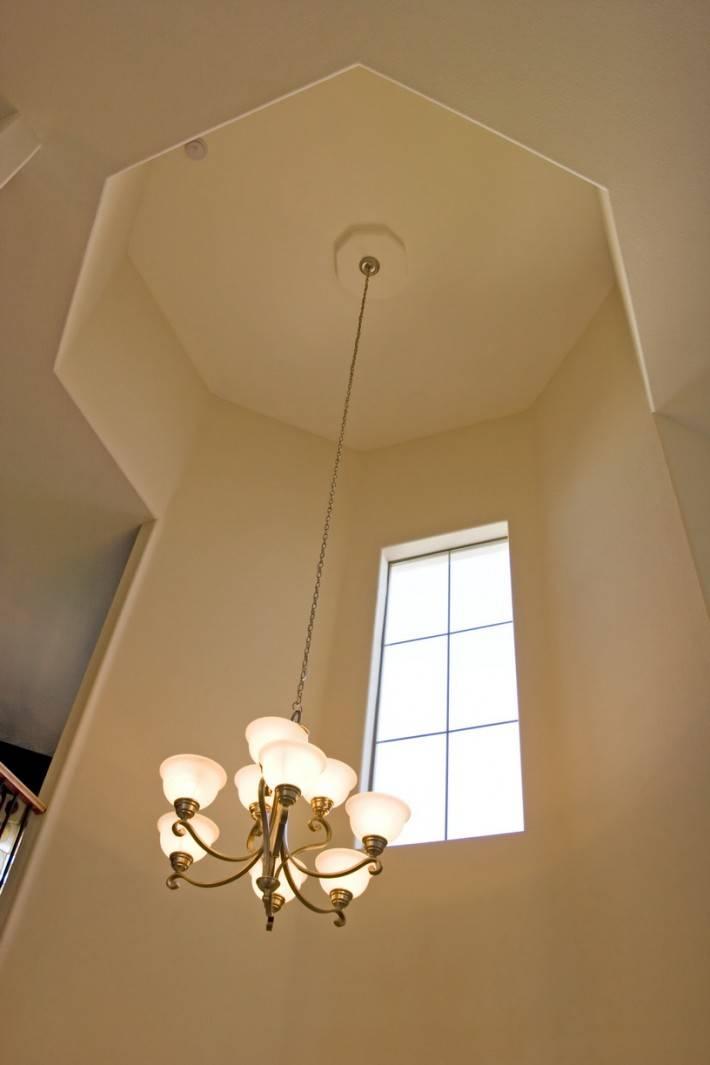 Потолок из гипсокартона — фото 35