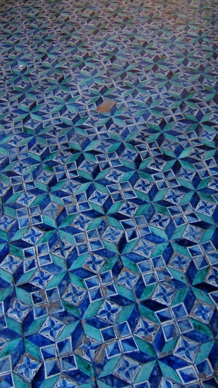 Пол из керамической плитки — фото 37