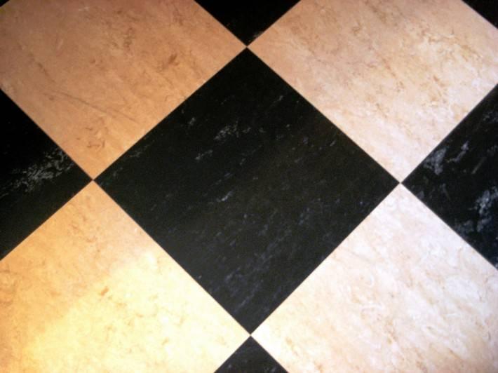 Пол из керамической плитки — фото 1
