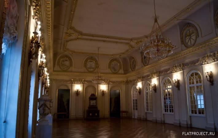 Декор интерьеров Меншиковского дворца — фото 46
