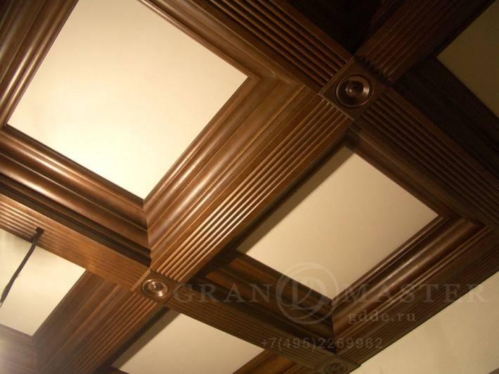 Деревянный потолок — фото 151