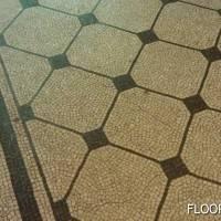Мозаичный пол с ресунком под плитку