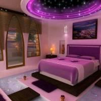 Двухуровневый потолок с фиолетовой подсветкой