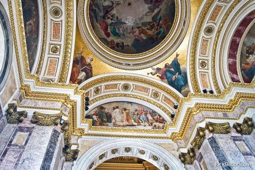 The Saint Isaac's Cathedral interiors – photo 15