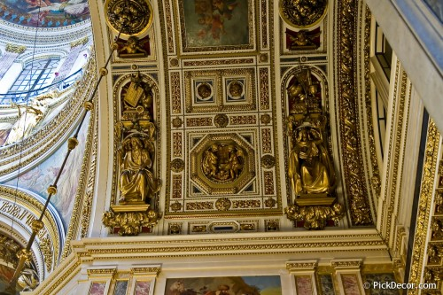 The Saint Isaac's Cathedral interiors – photo 16