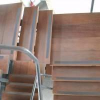 Лестница из дерева в Императорском Дворце Рио-де-Жанейро — 3