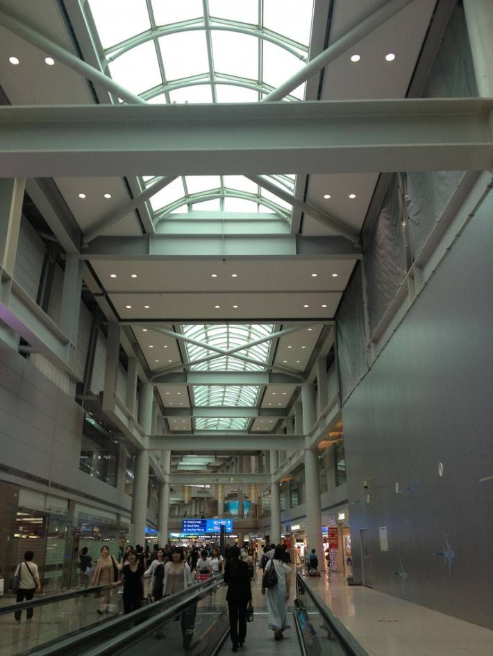 Стеклянная крыша в аэропорту Инчхон