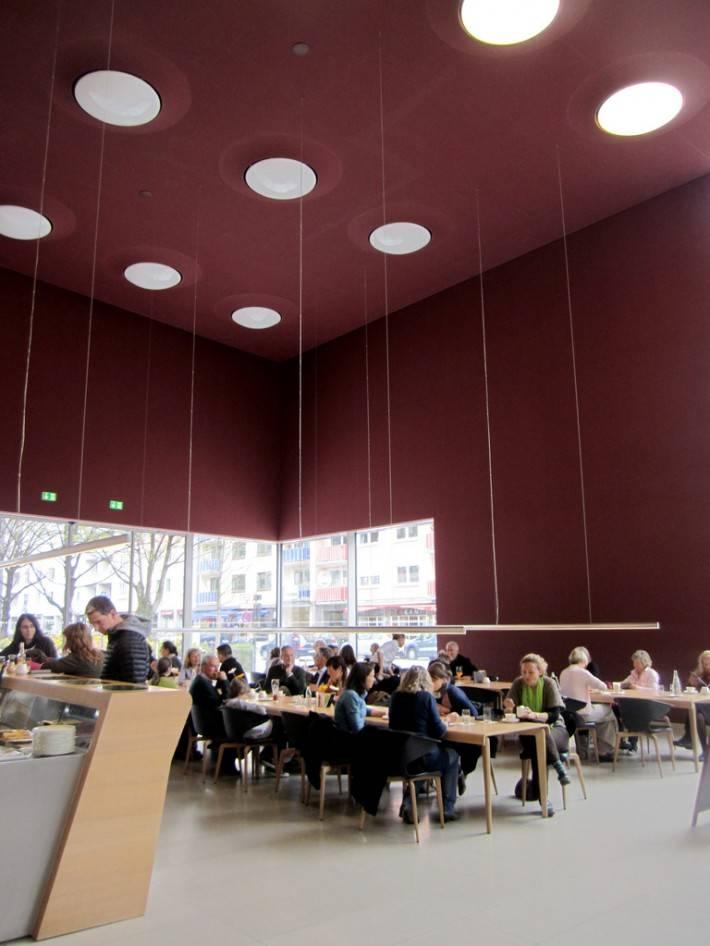 Музей Брандхорста — интерьер в кафе