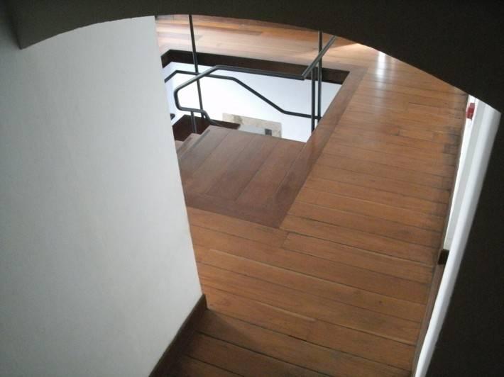 Лестница из дерева в Императорском Дворце Рио-де-Жанейро — 2