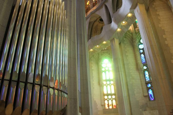 Потолок храма Святого Семейства в Барселоне — фото 9