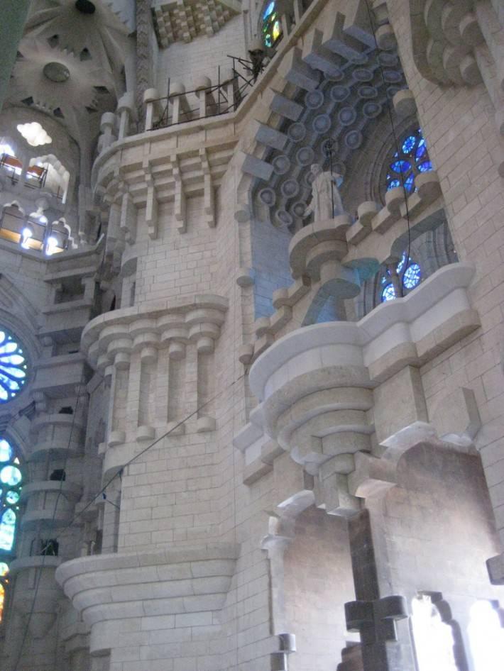 Потолок храма Святого Семейства в Барселоне — фото 25