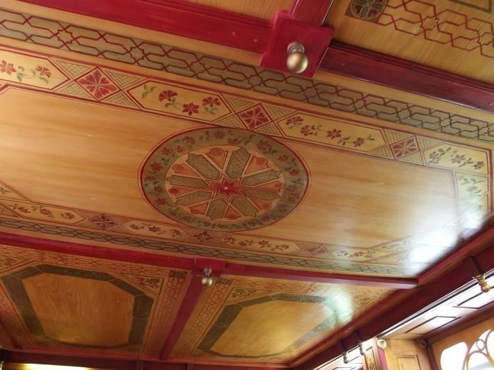 Отель Jardins Secrets — деревянный потолок
