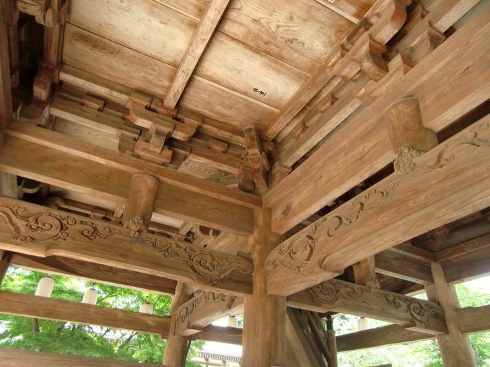 Деревянный потолок в храме Энгакудзи — фото 4