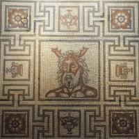 Мозаичный пол с изображением бога Океана
