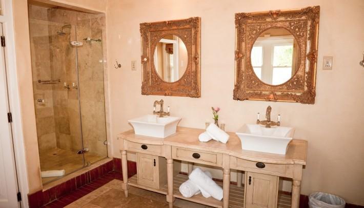Ванная отеля Franschhoek Country House