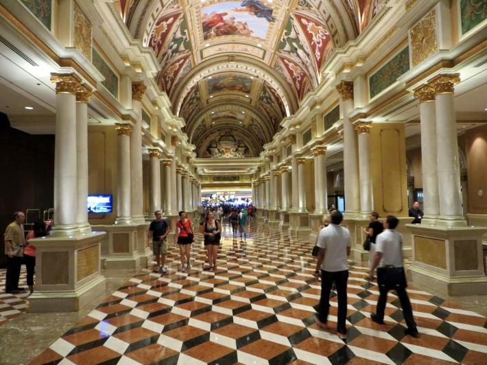 Роспись потолка в отеле Венения в Лас-Вегасе — фото 3