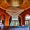 Деревянный потолок в отеле Эрмитаж в Эвьян-ле-Бен — фото 1