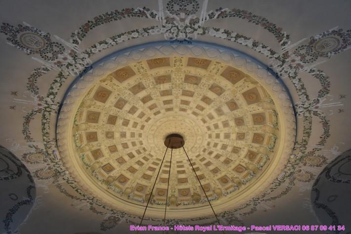 Роспись потолка в отеле Эрмитаж в Эвьян-ле-Бен — фото 1