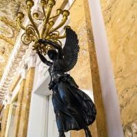 Декор старинной лампы в Главном штабе — фото 3