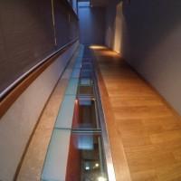 Стеклянный пол в здании Главного штаба — фото 2