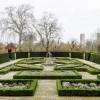 Английский сад дворца Кью