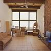 Деревянный потолок с балками — фото 3
