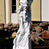 Скульптура для оформления дачного участка