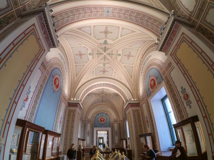 Роспись потолков на первом этаже Нового Эрмитажа — фото 1