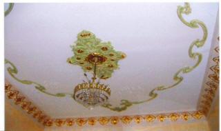 Роспись потолка по штукатурке золотой краской