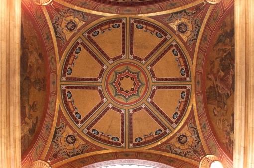 Фото потолка театра Колизей в Лондоне